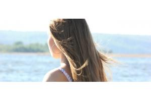 Ботокс і кератінове випрямлення волосся: коли робити процедури, якщо ви зібралися на море