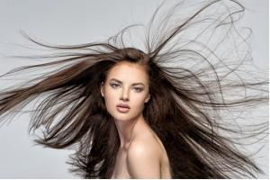 Різниця між гарячим і холодним ботоксом для волосся