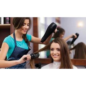 Топ-5 салонних процедур для волосся>