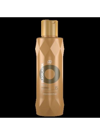 Шампунь Paul Oscar OleoPlastia Impressively Sleek разглаживающий (250 мл)